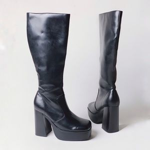 NWOB 90s CITY SNAPPERS Platform Chunky Tall Boots